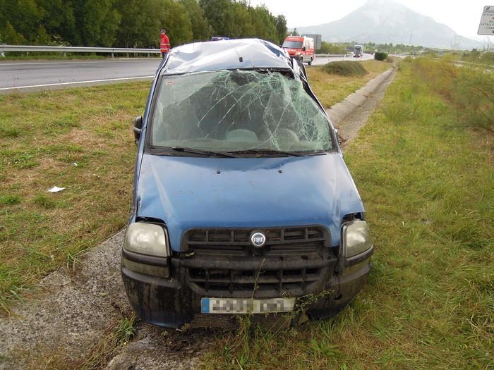 Auto istripua izan eta bakean argitu