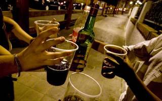 Adin gabekoen alkohol kontsumoa guztion erantzunkizuna dela ohartarazten du FAD-ek