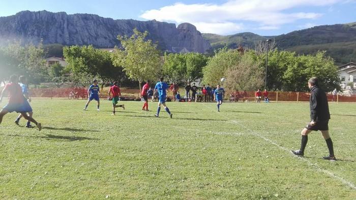 Sei talde Ziordiko Futbol 5 txapelketa solidarioan