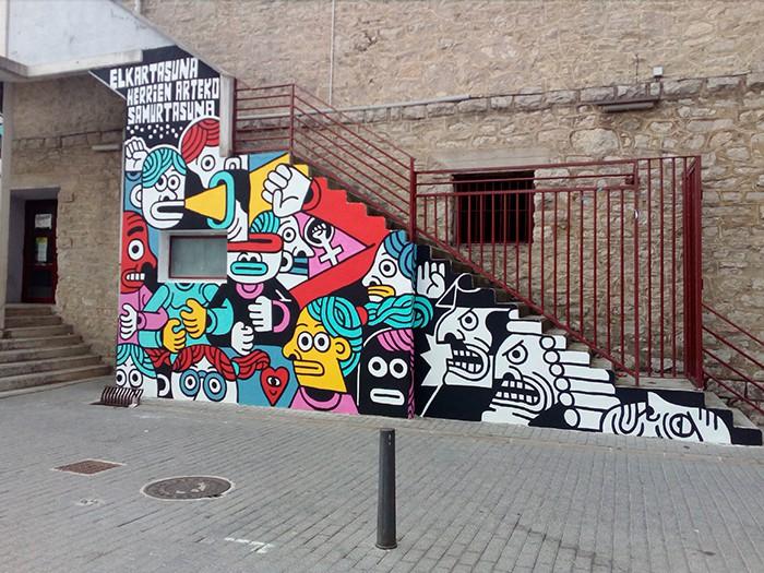 Altsasukoak aske murala Burunda frontoiko fatxadan - 4