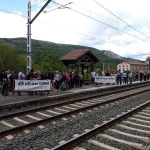 Geralekuetatik tren sozialaren alde