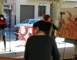 Euskaltegiak bultzatzeko pintura, txalaparta eta bertsoak