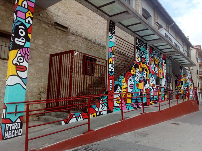 Altsasukoak aske murala Burunda frontoiko fatxadan - 7