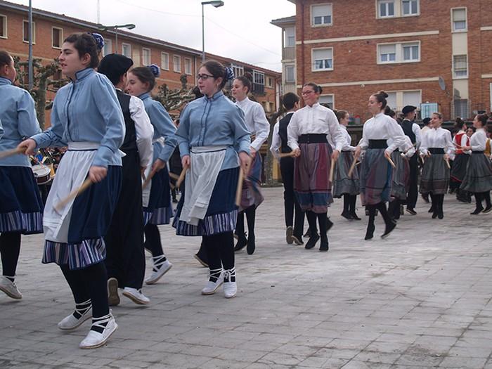 Euskal dantzak kalean  - 6