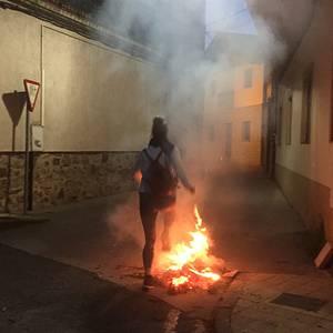 Suak, afariak eta ezkilak Lakuntzako San Juan bezperan