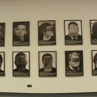 Santiago Sierra artistaren Preso Politikoak Espainia Garaikidean erakusketa