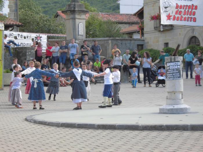 Festak herrian eta mendian