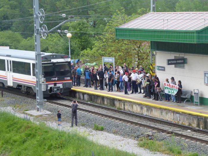 Geralekuetatik tren sozialaren alde  - 3
