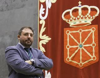 Hualde Nafarroako Parlamentuko presidentea da