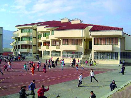 Eskola handitzeko proposamena aurkeztuta