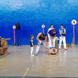 Festak bukatzeko dantza eta aizkora
