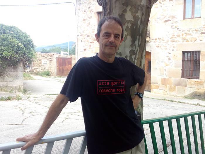 """Jon Arretxe: """"Nobela beltzak kritika soziala izan behar du"""""""