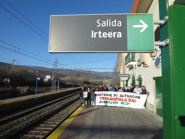14 udalek tren sozialaren alde eta AHTren kontra egin dute