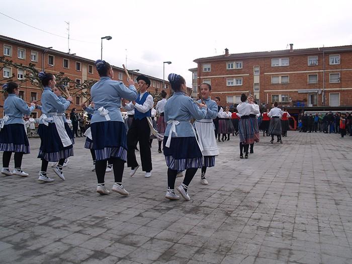 Euskal dantzak kalean  - 3