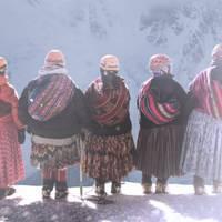 Mendi Jarduerak 2021. Cholitas film dokumentalaren emanaldia