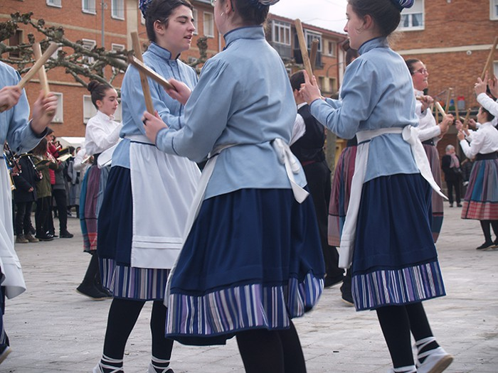 Euskal dantzak kalean  - 5