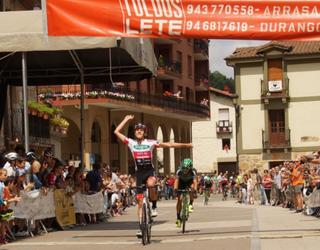 Josu Etxeberria afizionatuen podiumera igo da: bigarrena izan zen Antzuolan