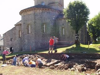 Arkeologoak Aralarren erantzunen bila