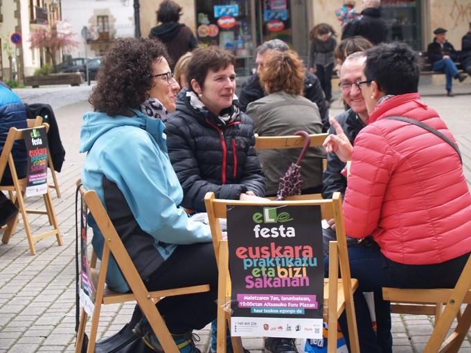 Euskaldundu bazara, omenaldia merezi duzu!