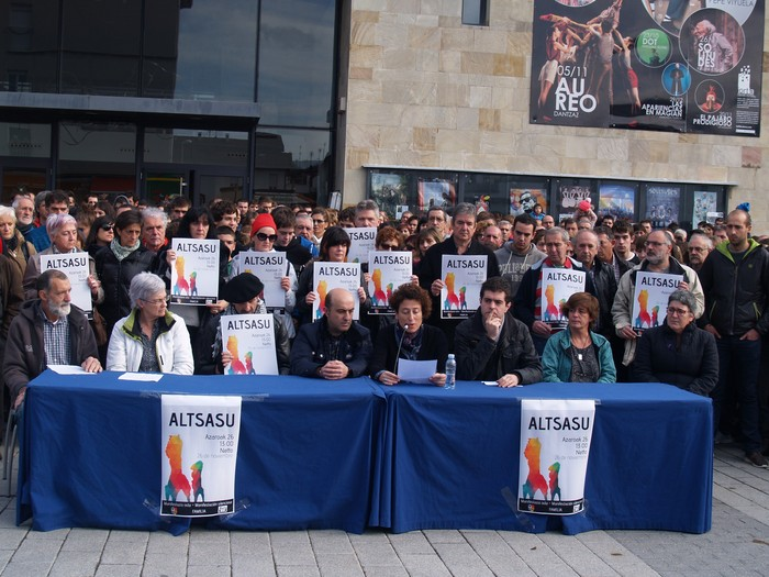 Altsasuko eragile askok bat egin dute manifestazioarekin