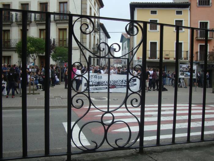 Nafarroako Gobernuak hiru gazteen egoerari buruz galdetuko dio Barne Ministerioari