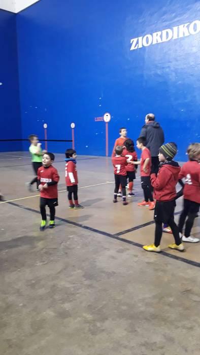 Eguberritako Areto Futbol Torneo solidarioa antolatu dute Ziordian