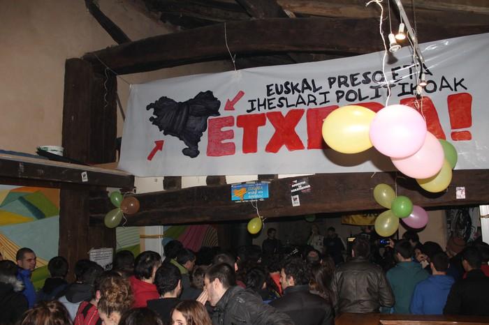 Ximona gaztetxearen 7.urteurreneko ospakizunak