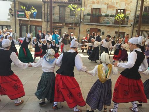 Lakuntzako dantza taldearen eguna