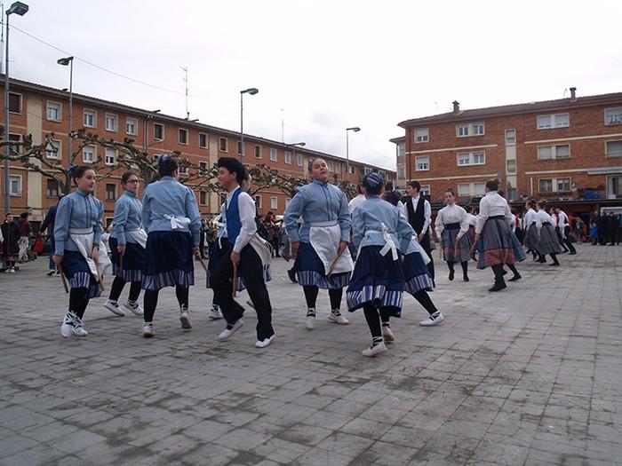 Euskal dantzak kalean  - 4