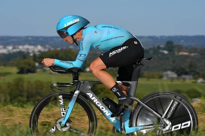 Roglicek etapa eta lidergoa lortu zituen Vueltako atzoko erlojupekoan