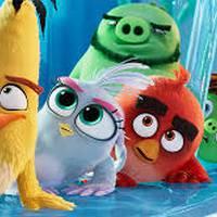 Angry birds 2 familiarteko filmaren emanaldia