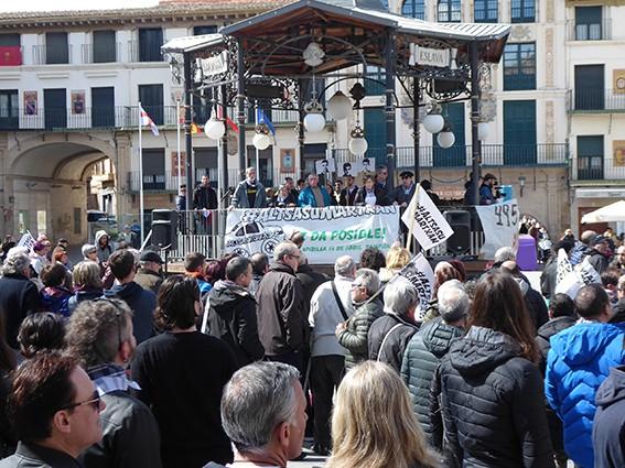 Iruñeko manifestazioaren zain  - 19