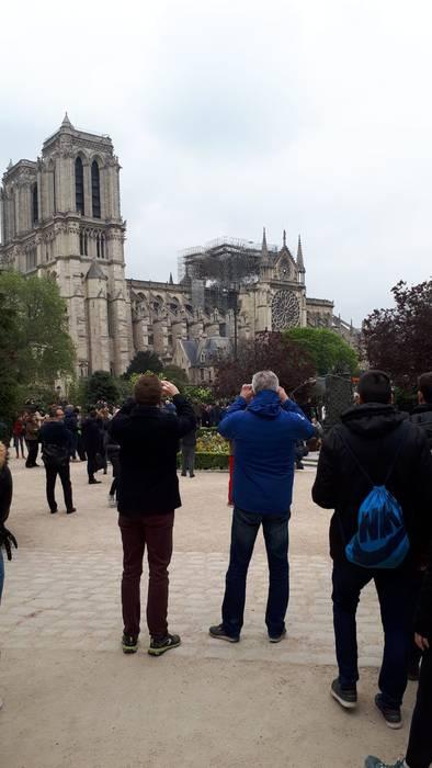 Notre Dameko sutea bertatik bertara