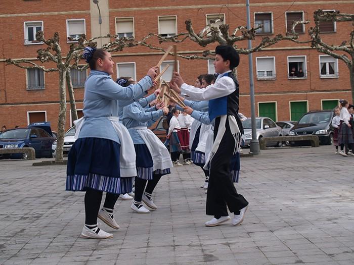 Euskal dantzak kalean  - 9