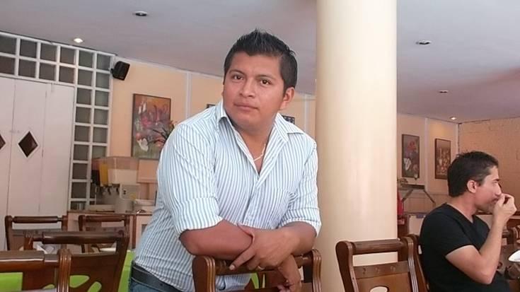 Isaac Esaú Carrillo Can. Juntúul aj ts'íib maaya, ku k'aay ti' le eek'o'obo', ti' le lu'umo'