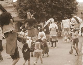 Dantzan hasiko dituzte festak Satrustegin