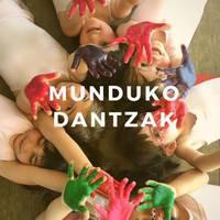 Irantzu Gonzalez Dantza Eskolako Lakuntzako ikasleen 'Munduko dantzak' ikuskizuna.