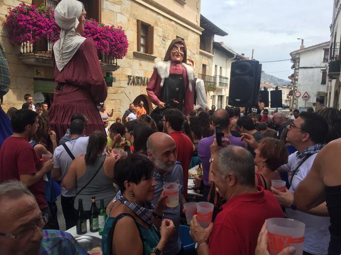 Festen kartelak aukeratzeko lehiaketak martxan