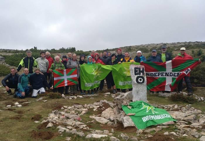Aberri egun bateratu baten aldarria Euskal Herriko Erdigunetik