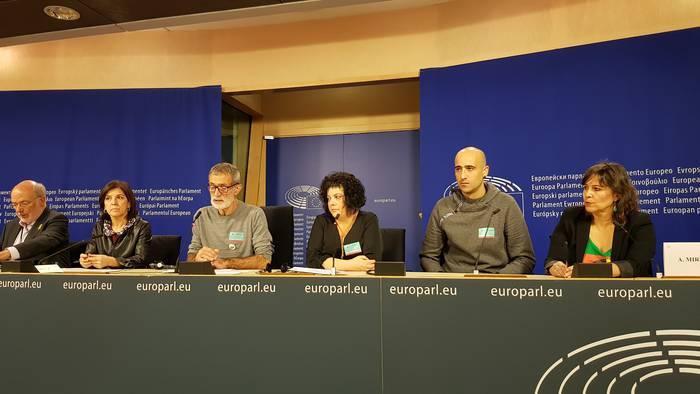 Bruselatik manifestazioan parte hartzeko deia