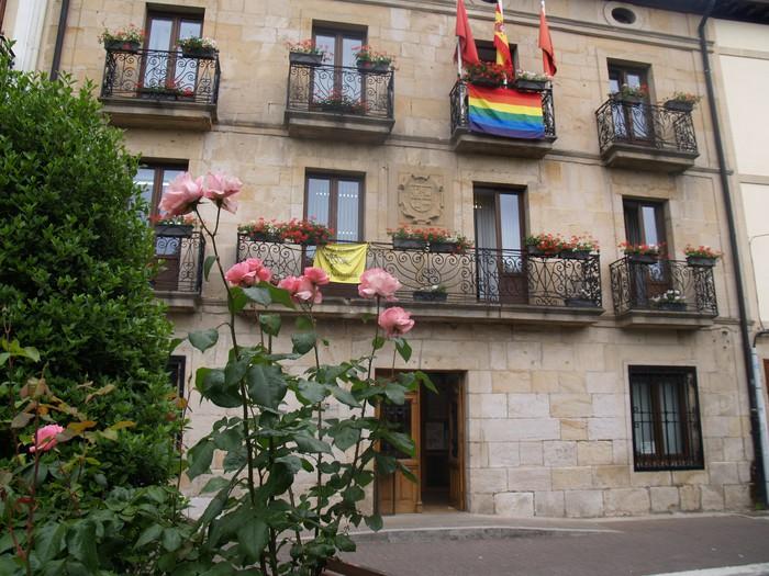 Udalak LGTBI-fobiaz aske dagoen udalerri izendapena onartu du